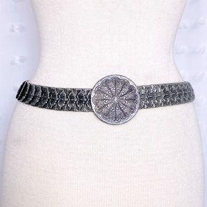Pewter tone floral metal stretch belt